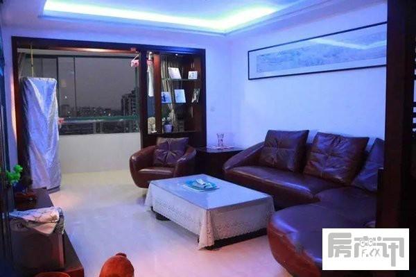衢州世通华庭二手房精装修118m²售价116万 14楼/满2年