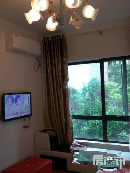 武汉绿地国际金融城二手房 实用三房出售带花园86.71平/260万