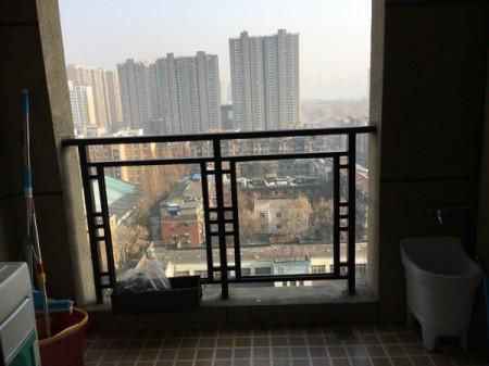 绿地国际金融城二手房精装中层114平/340万