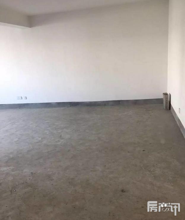 杭州瓶窑兴泰花苑3室2厅2卫 110 毛胚 58万