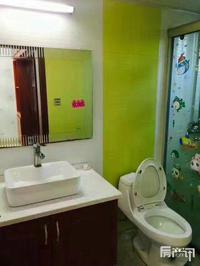 宜兴金城花园二手房 精装房出售90平/69.3 万