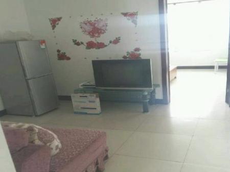 海港东安里一室一厅60平阳面家具家电全租期灵活(房子干净)