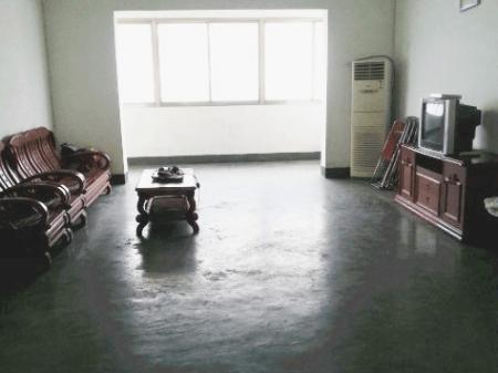 湘潭核心地带,公园对面,4室2厅2卫160平,有车库