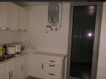 滨海广场世茂海湾1号 2室1厅120平米 精装修 面议(交通方便 领包入住)
