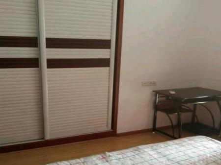 鄂州城南新鄂高竹林广场 2室1厅70平米 精装修
