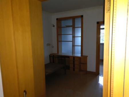 站东花园三楼出租可三室一厅或两室二厅