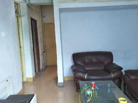新生巷四监家属楼 1室2厅55平米 简单装修 年付