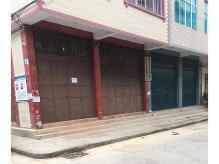 门面出租,三面开门,70平方带卫生间。