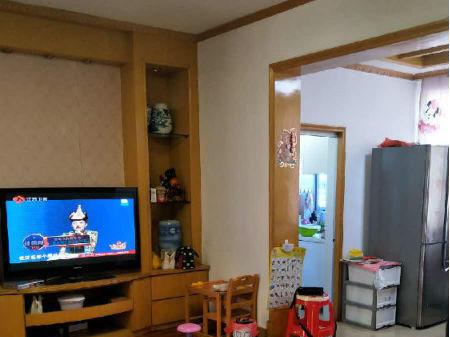 出售育新二十八中南京西路 4室2厅1卫 111.32㎡拎包住