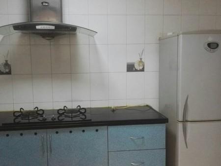 春风名苑2室1厅1卫80平米 1400元/月