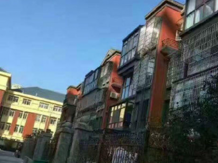 出售盛世豪庭 三四复试 304㎡一手现房,可按揭