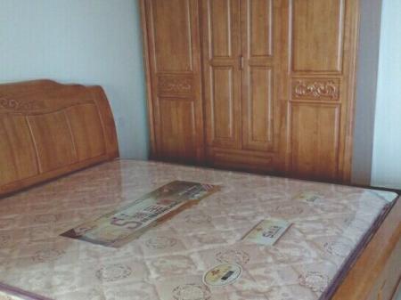 融旗华堂 2室2厅1卫 90平 2000元/月 交通便利