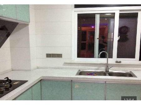 响水华阳国际小区5楼,3室2厅130平米 豪华装修 年付