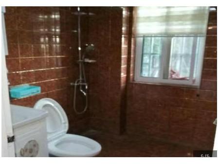 响水御景豪庭 3室2厅106平米 中等装修 半年付押一