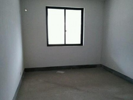 茗月山庄 3室2厅2卫 123㎡ 交通便利
