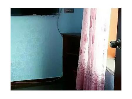 民主路嘉乐迪对面单间公寓出租 10平米 400元/月,拎包住