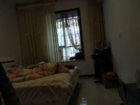 广安西溪世家 3室2厅2卫118㎡ 简单装修