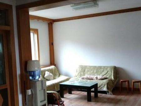 红通新村 2室2厅 90㎡ 周边交通便利,配套设施齐全