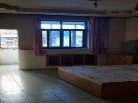 东汽车厢厂家属楼 3室1厅1卫 88m² 周边设施齐全