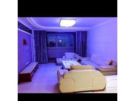 城区龙泽苑 3室3厅1卫 135㎡  中装 77万