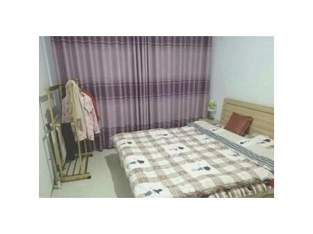 城区鸿禧山庄 2室1厅100平米 精装修 916元/月 年付