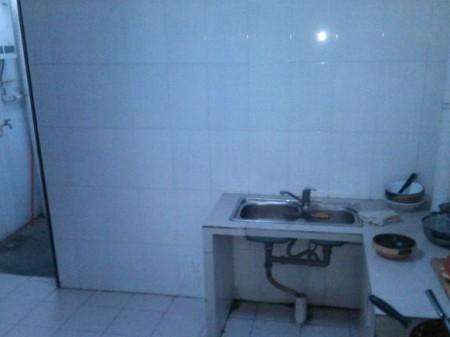 康复南路五洲城小区 3室2厅140平米 中等装修  1400元/月