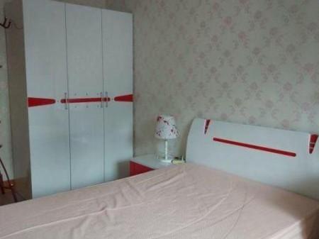 秦都沈家小区 2室2厅90平米 简单装修 1100元 半年付