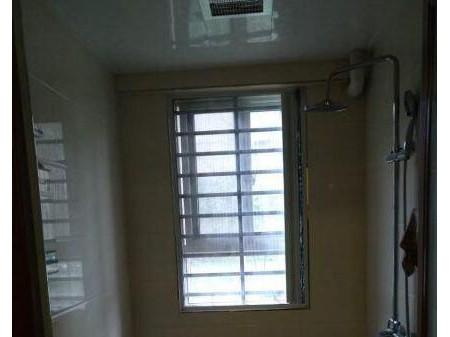 秦都丽彩溪悦城 2室1厅99平米 简单装修一层 1100元半年付