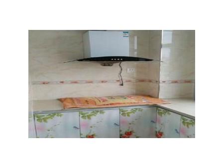 名仕府 3室2厅1卫 124平 精装修 1200元/月 带家具家电