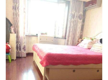 丹东鸿利河畔花园 3室2厅2卫156.69㎡ 简单装修