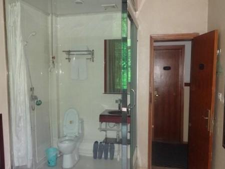 月付金州路公寓房有家具家电免费热水免费宽带已装
