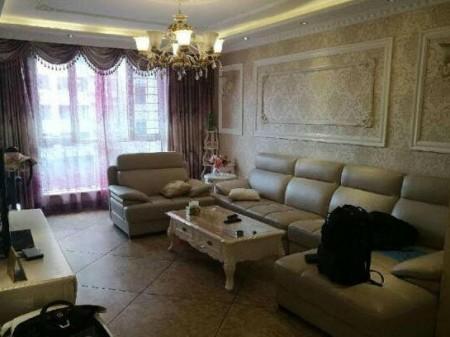 万锦花语岸 3室2厅2卫 154平 全套家具家电 包暖