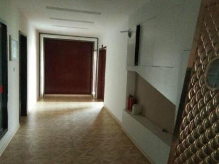 思茅北部区 5室2厅3卫 600平米 精装修 2万1/月年付