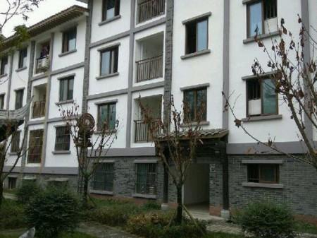 汉姜古镇小区 3室2厅1卫 105㎡ 靠近商场