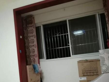 学前街 3室2厅2卫 135平米,楼顶可再修(有产权)