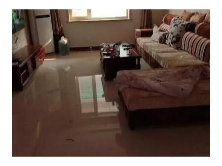 清苑建设北路 精装三室二厅 120平 精装 1100元/月