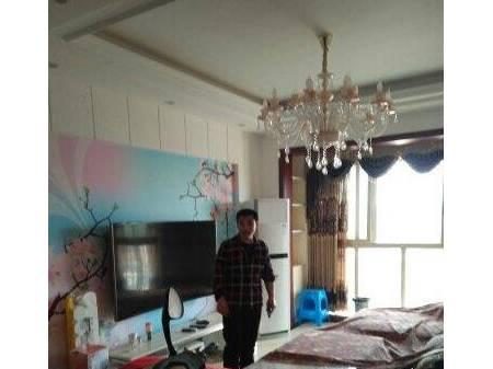 出售皇家名邸 3室2厅 97m²  精装  82万