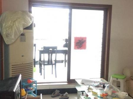 泗阳东方现代城 3室2厅1卫108㎡ 简单装修