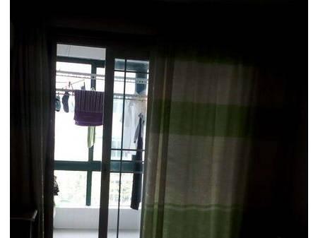 睢宁彩虹公寓3楼 3室2厅100平米 中等装修 1066元/月 年付