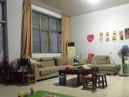 新沂市 瓦窑镇自建房出售 6室2厅 500平 带院子 45万