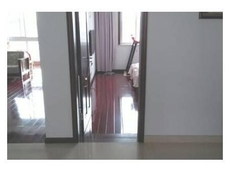 依水佳苑 4室2厅3卫 200平 生活设施一应俱全