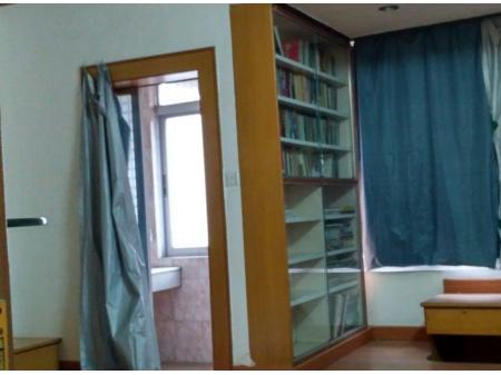 连南阳山松荣市场附近 3室2厅1卫106平 繁华地段
