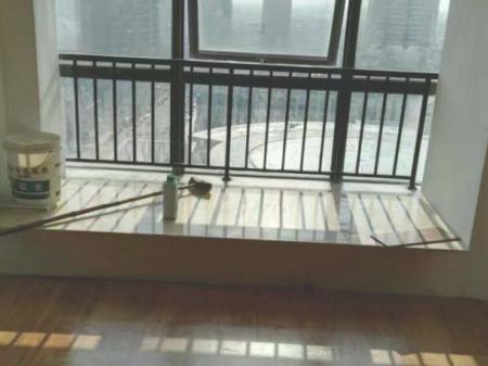 银泰城 1室1厅1卫 50平 带全套全新家电家具