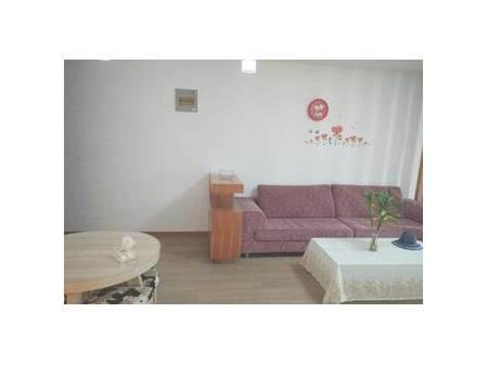 海天苑 1室1厅60平米 简单装修 2200每月