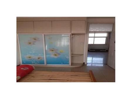 兴隆小区 3室2厅1卫 120平 精装修集体供暖