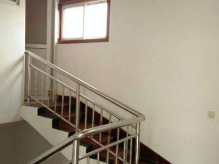 明德小学东北 4室2厅2卫 210平