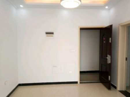 聚豪华庭 3室2厅1卫 带平台