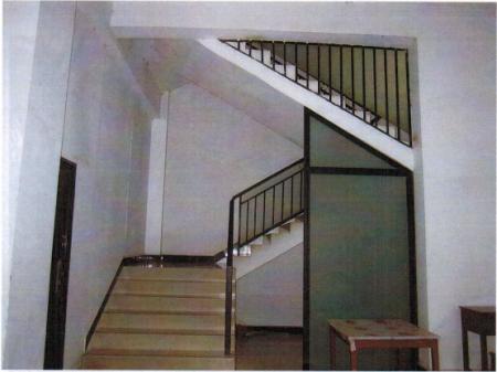 黄金地段全框架带商铺四层综合楼出售
