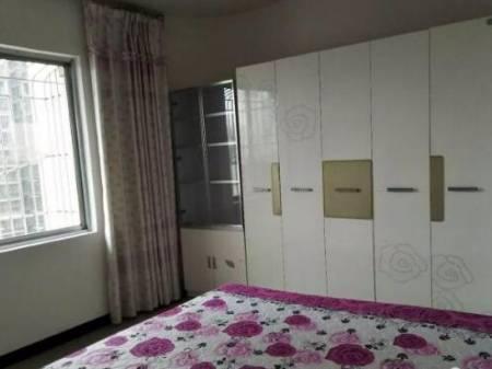 乐至县红泰花园 三室两厅一卫 精装修 108平 39.8万