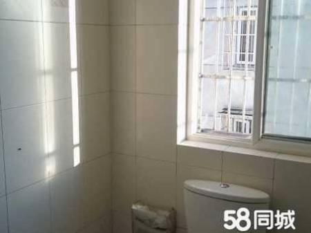 自住房出售:府东一区 4室2厅2卫
